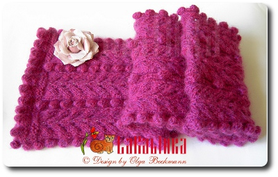 Dew and berry Scarf