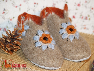 knitting pattern felted Slippers design LaKalinka Olga Beckmann